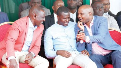 Photo of Deputy President William Ruto and his allies LAUGH off impeachment plans from Kieleweke wing :)