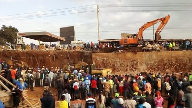 Photo of Video-Kangemi flyover collapses, workers covered by debris.