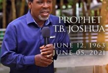 Photo of Nigerian preacher TB Joshua dies moments after leading church service.